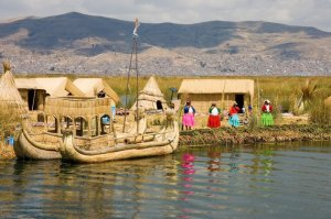 Margens do Rio Titicaca