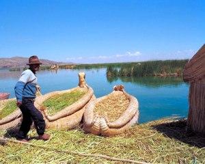 Margens do Rio Titicaca