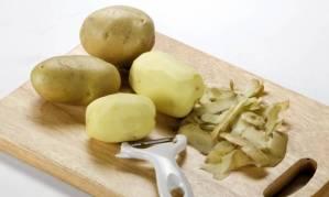 Batatas na limpeza de casa e do jardim