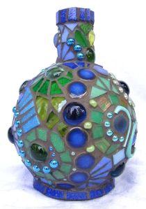 Jarras feitas com garrafas de vidro2